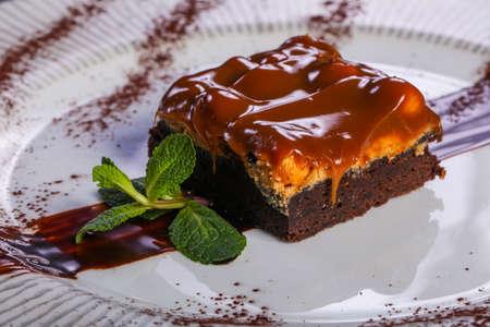 Caramel brownie cake served caramel