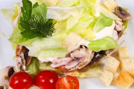 Ham and mushroom salad served tomatoes Standard-Bild