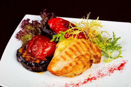 Chicken with Cheese and grilled vegetables