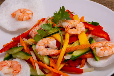 Vietnamese salad with prawn and vegetables Banque d'images