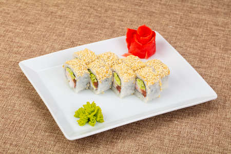 Japanese cold roll with prawn