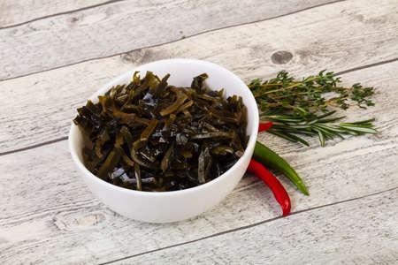 Vegaan cuisine Dietarian Laminaria salad Standard-Bild - 121378764