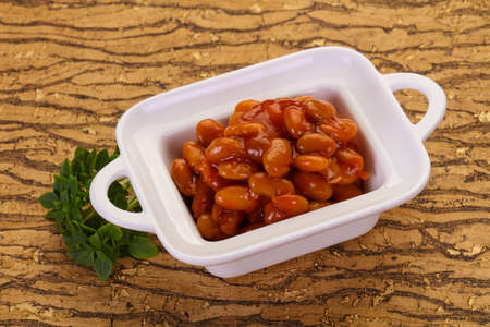 Baked kidney with tomato sauce in the bowl