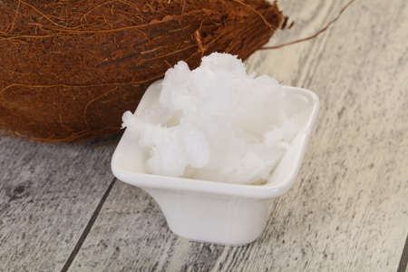 Dietary Coconut oil in the bowl served nut