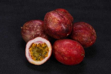 Delicous sweet exotic Passion Fruit Maracuya Banco de Imagens