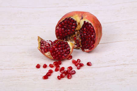 Ripe tasty sweet pomegranate fruit 版權商用圖片