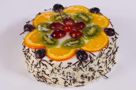 Cake with berries and cream 版權商用圖片 - 129176278