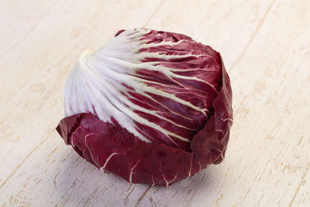 Fresh radicchio salad for cooking Zdjęcie Seryjne