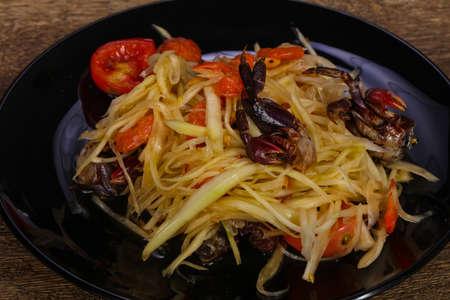 Green mango salad with seafood - crab and prawn Imagens
