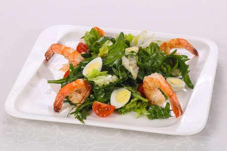 Salad with prawn, rocket and quail eggs