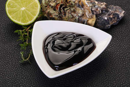 Traditional Oyster sauce in the bowl 스톡 콘텐츠