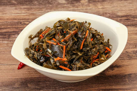 Seaweed cabbage with carrot and sesame seeds