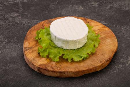 Delicous tradidional Brie round soft cheese Archivio Fotografico