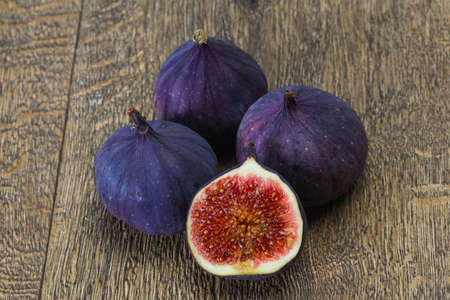 Ripe sweet fresh sliced fig fruit Banco de Imagens