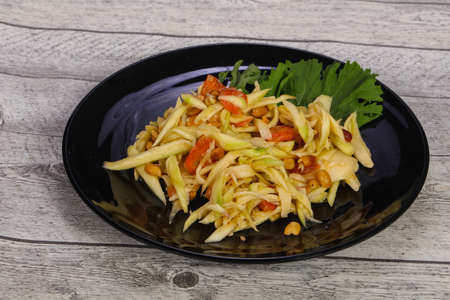 Green mango salad with seafood - crab and prawn Archivio Fotografico