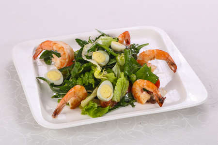 Salad with prawn, rocket and quail eggs