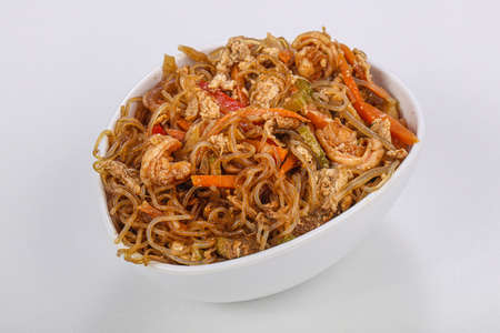 asian Glass noodle with chicken and vegetables