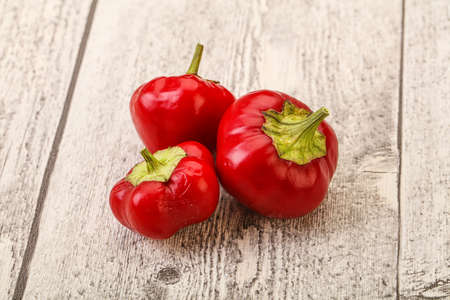 Red hot and spicy cherry pepper Standard-Bild