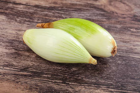 Ripe and tasty shallot onion for cooking Imagens