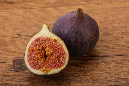 Sweet purple slice of fig fruit Zdjęcie Seryjne