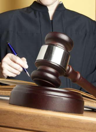 arbitrar: Mazo y hembra juez