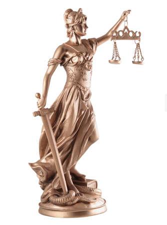 estatua de la justicia: Se�ora de Justicia sobre fondo blanco Foto de archivo