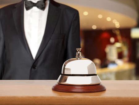 Hotel conciërge. Dienst bel in het hotel Stockfoto