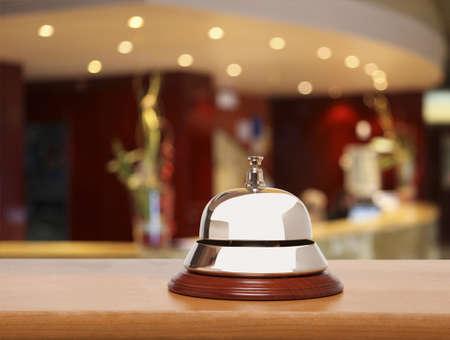 campanas: Servicio de botones en el hotel Foto de archivo
