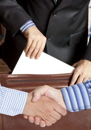 Vaststellingsovereenkomst tegen de achtergrond van de advocaat of notaris