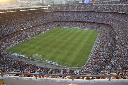 BARCELONA, Spanje - 18 augustus Een uitverkochte Barcelona voetbalstadion Camp Nou tijdens de wedstrijd tussen FC Barcelona en FC Levante op 18 augustus 2013 in Barcelona, Spanje Redactioneel