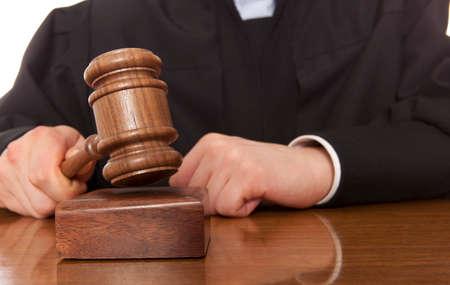 oracion: Juez. �rbitro martillo y un hombre togado
