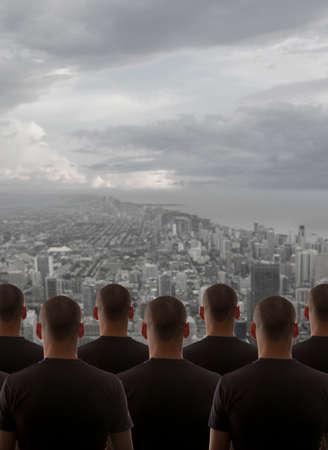 clonacion: Clonaci�n Group hombre sobre el cielo nocturno de la ciudad