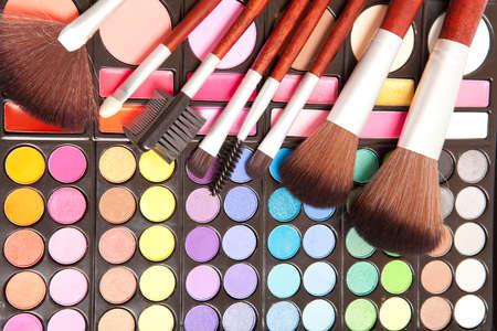 maquillaje de ojos: Pinceles de maquillaje y sombras de ojos maquillaje