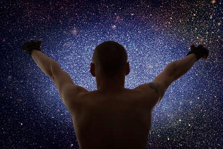 universum: Universe. Sternenhimmel und Silhouette des Menschen Lizenzfreie Bilder
