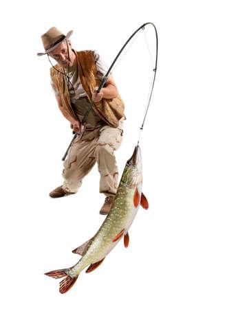 pecheur: Pêcheur avec gros poisson - Pike (Esox Lucius) isolé sur blanc