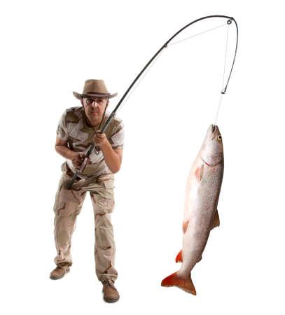 pecheur: Pêcheur avec gros poisson - saumon isolé sur blanc