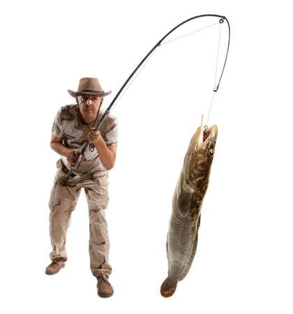 lota: Pescador con los pescados grandes - lota, bacalao (Lota lota) aislado en blanco