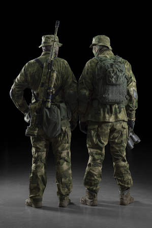 Two soldiers of a special unit are in full ammunition. Imagens - 115911649