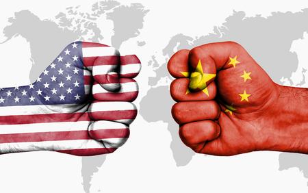 Conflict tussen VS en China, mannelijke vuisten - regeringen conflictenconcept