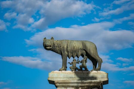 The sculpture of Capitoline Wolf or Lupa Capitolina in Rome, Italy Banco de Imagens - 130818787