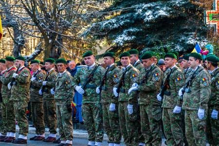 Romanian soldiers at the December 1 parade from Vatra Dornei Foto de archivo - 150040178