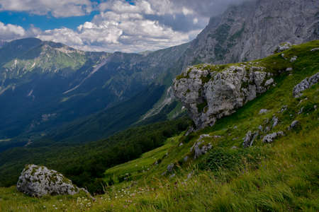 Gran Sasso mountains chain, Prati de Tivo, Teramo Province, Abruzzo Region, Italy Foto de archivo