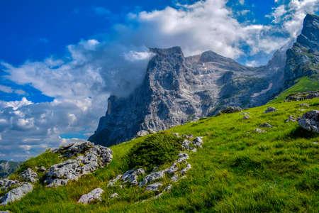 Gran Sasso mountains chain, Prati de Tivo, Teramo Province, Abruzzo Region, Italy Foto de archivo - 155036176