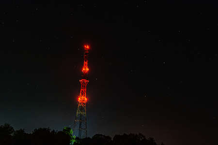 Night tower TV radio communication 4G Banque d'images