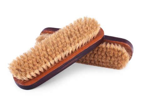 maleza: Dos cepillos de madera antiguas para la limpieza de ropa aislada sobre fondo blanco
