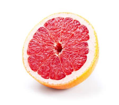 グレープ フルーツの白い背景で隔離の半分