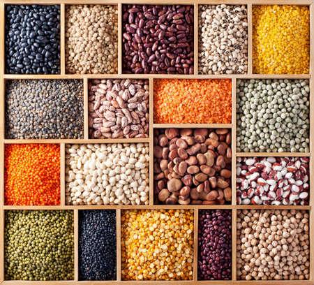 adzuki bean: Wooden box with peas, beans and lentils