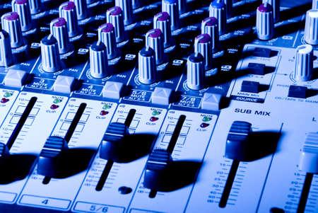 pult: azzurro e pult mixer