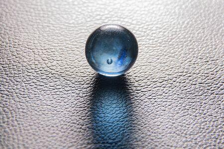 glass ball on чёр�½�¾�¼ �º�¾�¶�°�½�¾�¼ background
