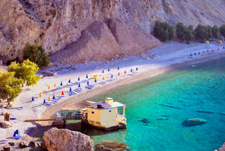 Afgelegen naaktstrand genaamd Glyka nera in Zuid-Kreta Stockfoto